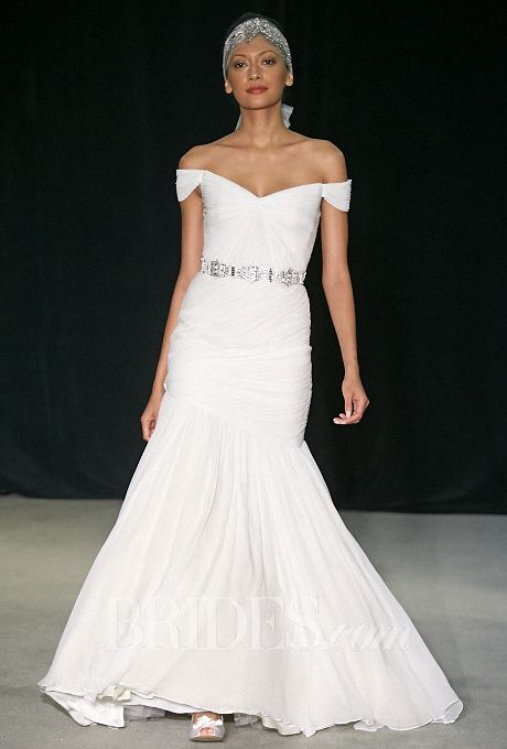 Top 8 wedding dress trends for fall 2014 weddings in athens for Wedding dresses in athens ga