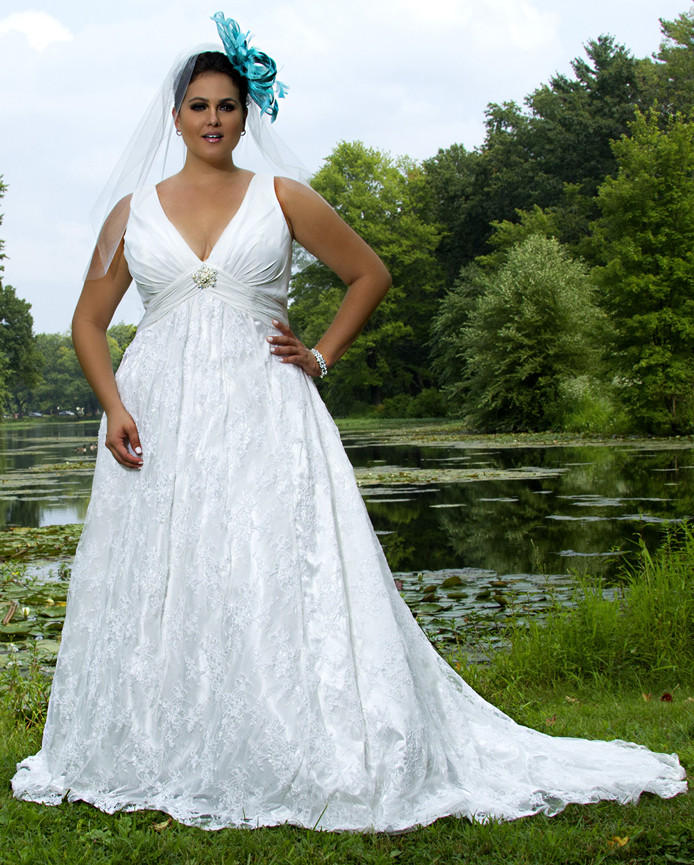 Athens wedding dress styles for different body shapes for Non traditional wedding dresses plus size