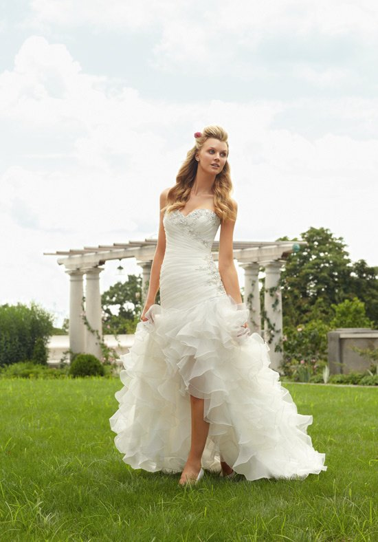 Wedding Dresses For Different Shapes : Athens wedding dress styles for different body shapes weddings in